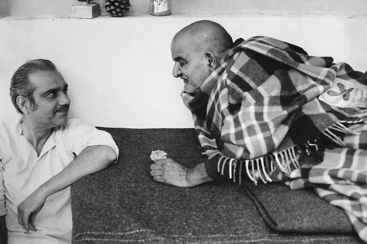 कौन हैं बाबा नीम करोली जी महाराज, जाने चमत्कारी संत के बारे में जिनके भक्तों में  Apple के मालिक Steve Jobs जैसे नाम शुमार थे।